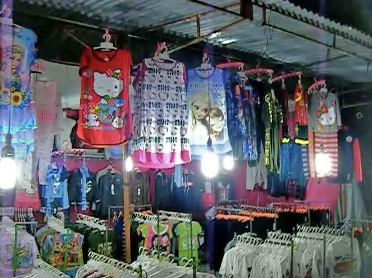 服の屋台3