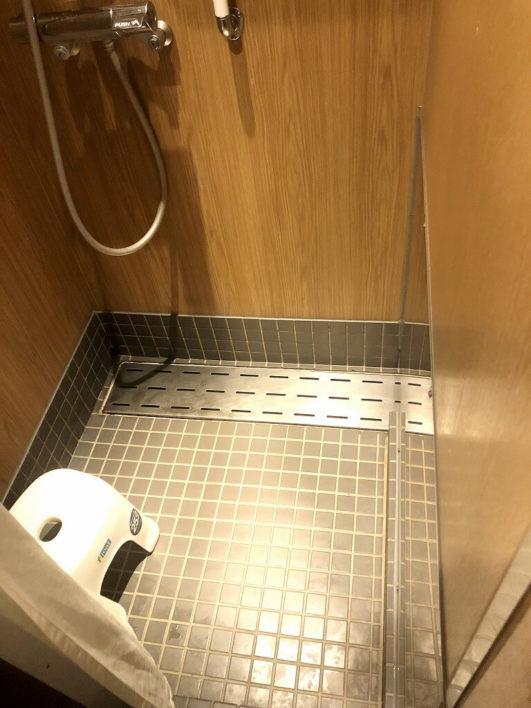 シャワールーム03
